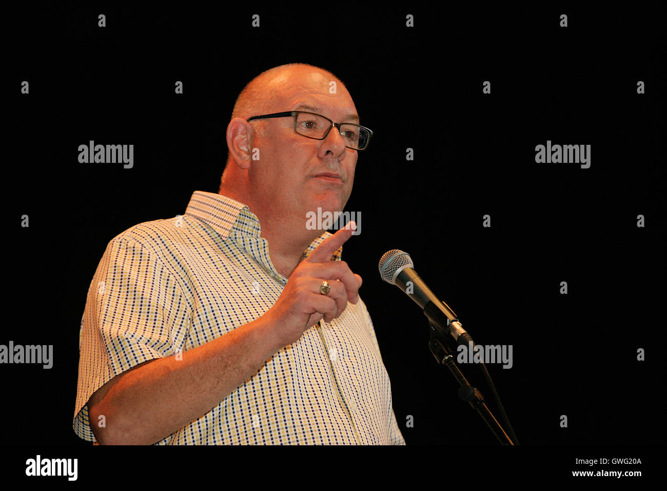 Brighton, UK. 13th September 2016. Dave Ward General Secretary of the Communications Workers Union gives a speech - Stock Image
