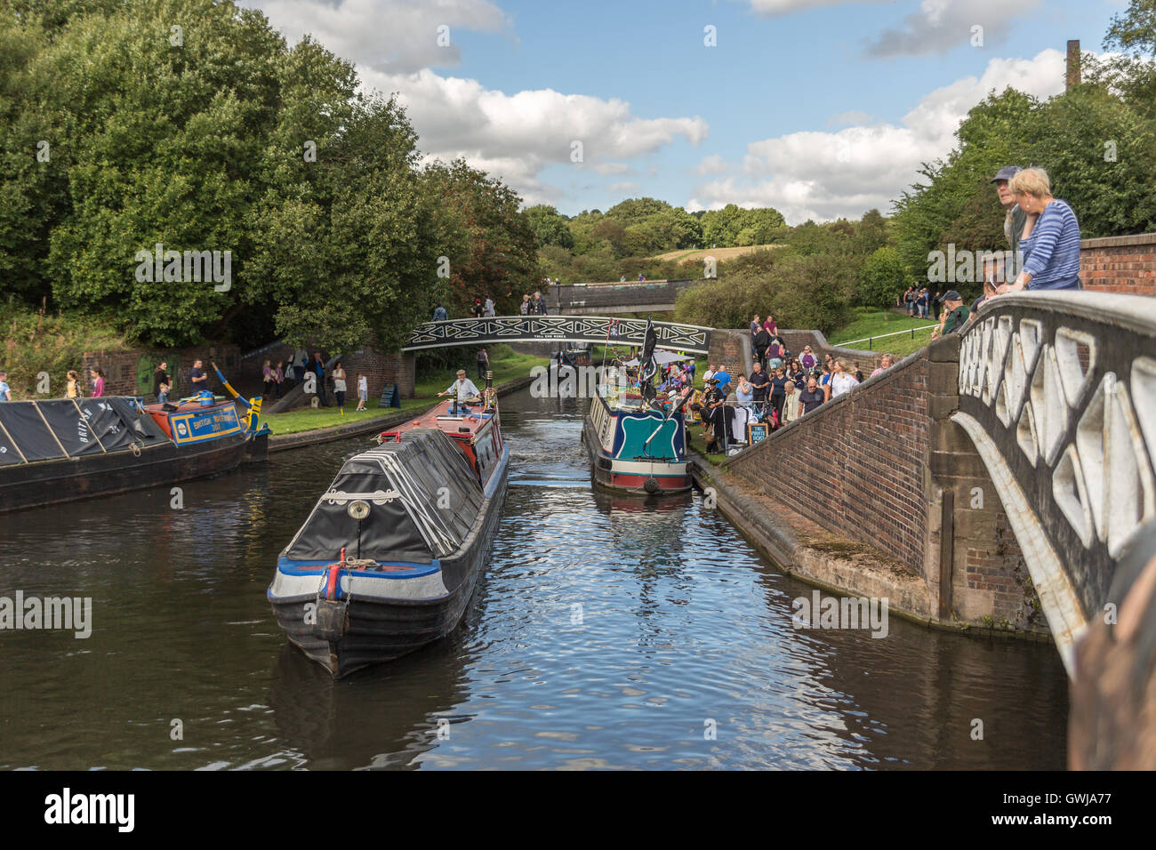 Narrowboats and spectators at the Black Country Boating Festival. Sunday 11th September 2016. - Stock Image