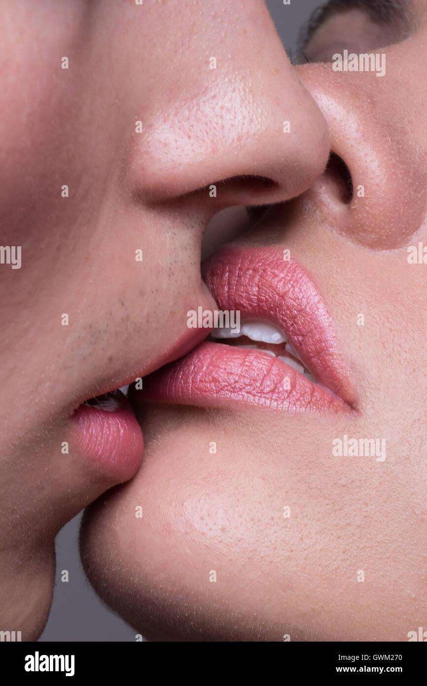 Man Kissing Woman Lips Images - Impremedianet-6180