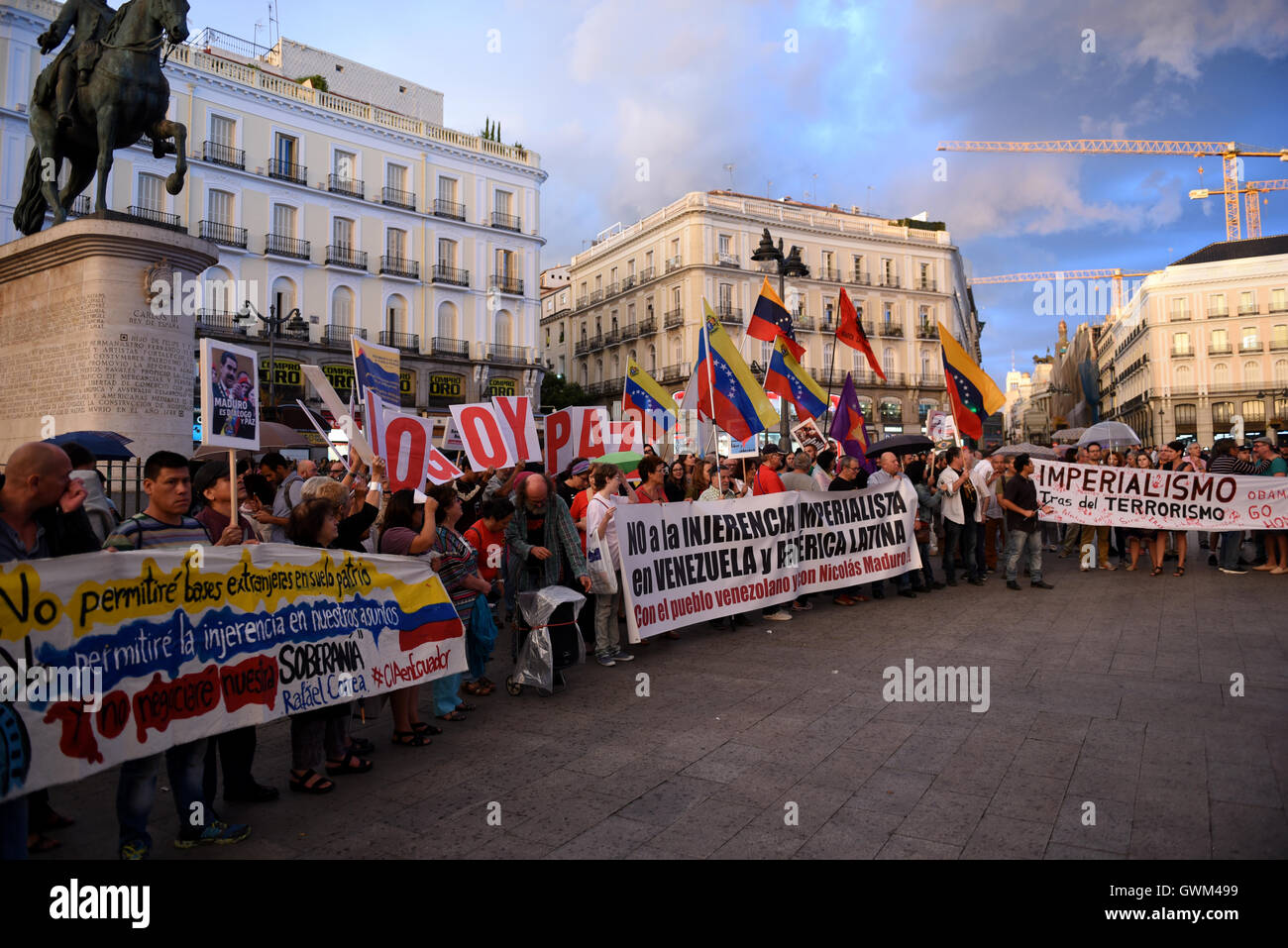 Madrid, Spain. 13th Sep, 2016. People gathered at 'Puerta del Sol' in Madrid to show support to Venezuelan - Stock Image