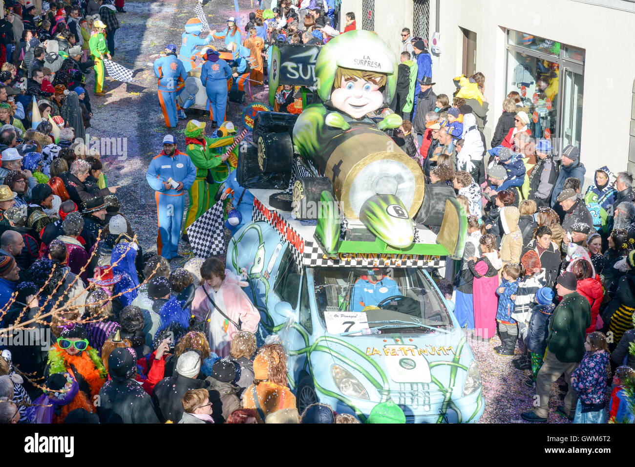 Tesserete, Switzerland - 13 February 2016: people marching in the parade of the carnival at Tesserete on the italian - Stock Image