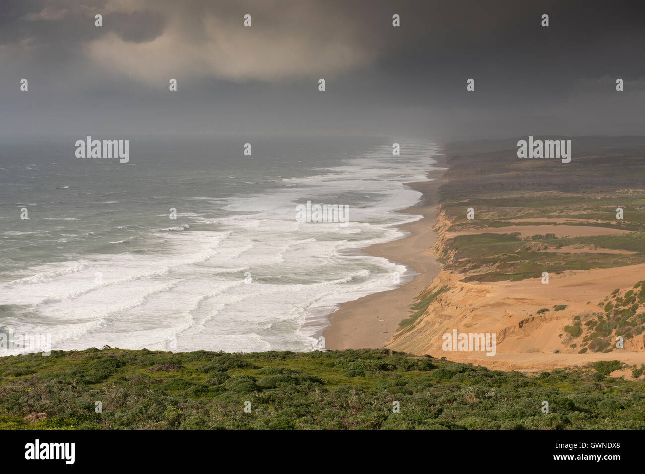 View of the West Coast of the USA, as seen from the Point Reyes Lighthouse, looking north along the Point Reyes - Stock Image