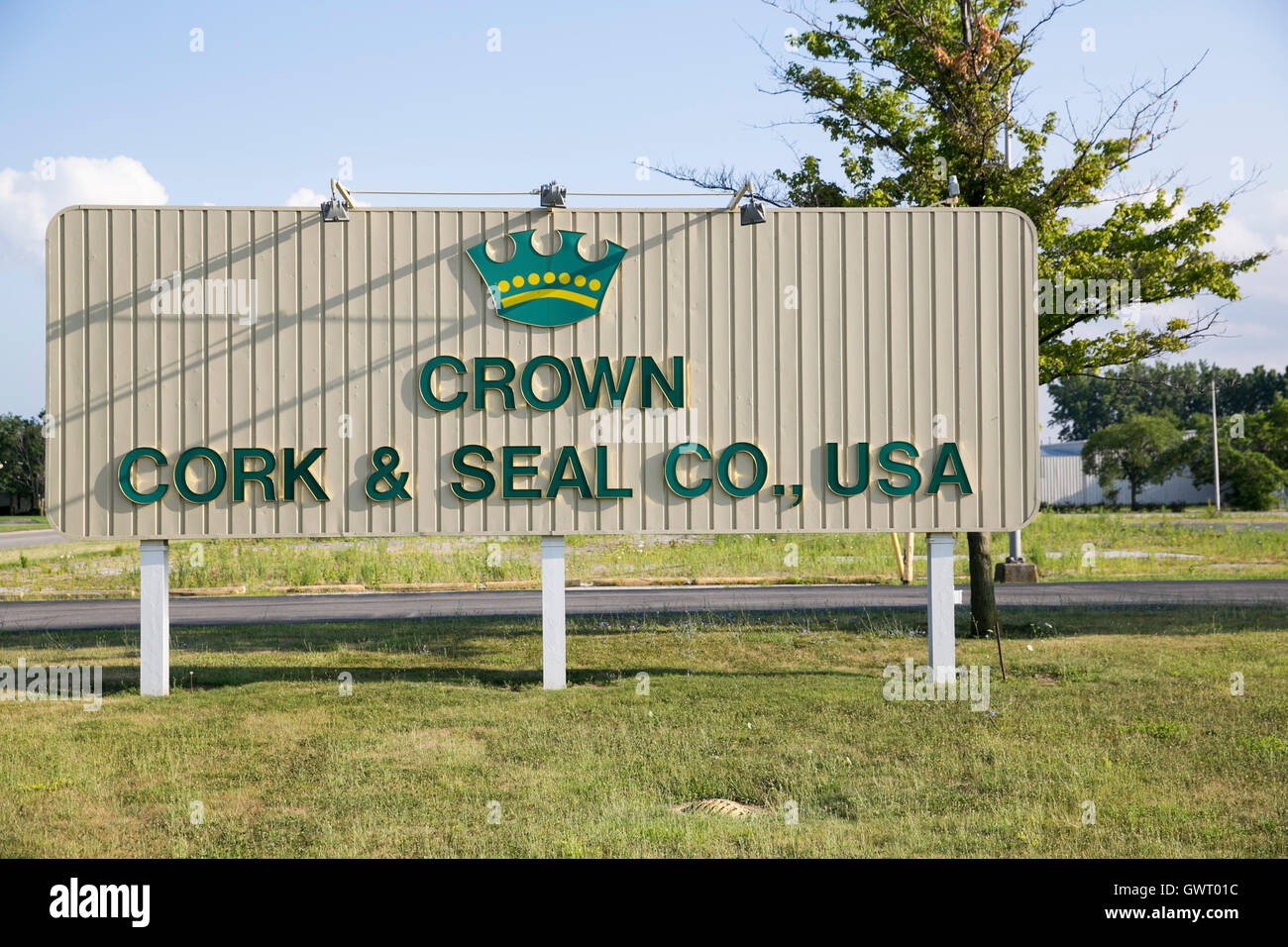 A logo sign outside of a facility occupied by the Crown Cork & Seal Company in Toledo, Ohio on July 16, 2016. - Stock Image