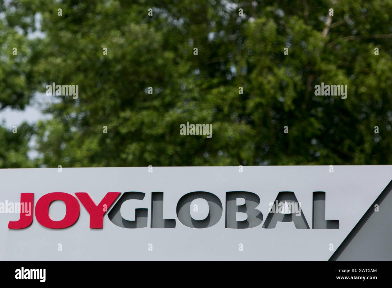 A logo sign outside of a Joy Global, Inc., facility in Cleveland, Ohio on July 21, 2016. - Stock Image