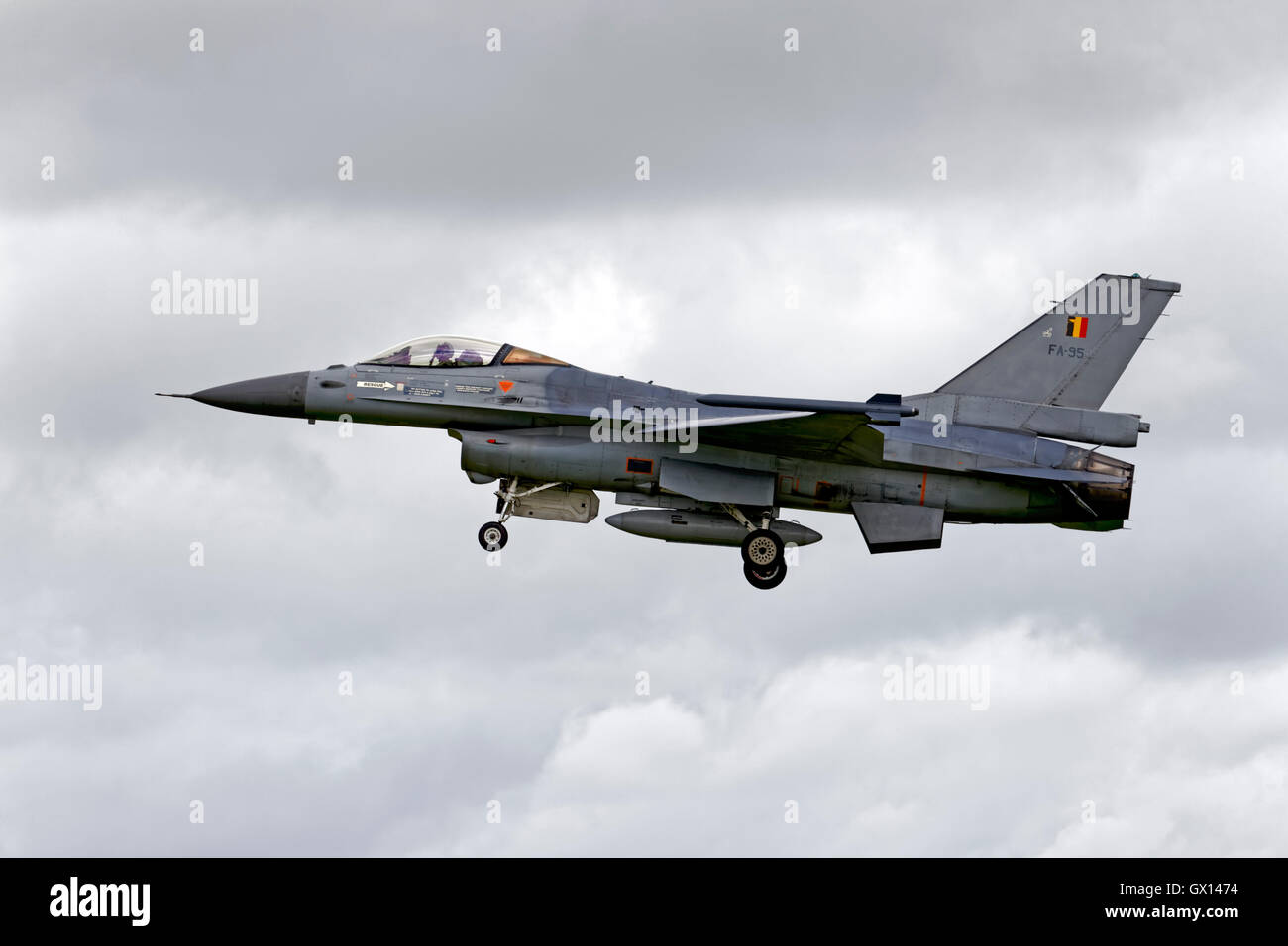 A Belgian Air Component General Dynamics F-16AM, FA-95, on finals to land at the RNAS Yeovilton International Air - Stock Image