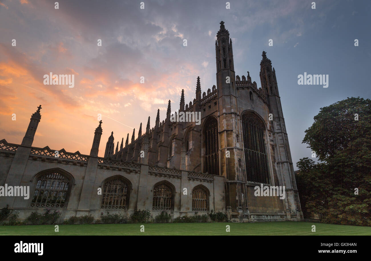 Cambridge, England, United Kingdom. 15th September 2016. The sun sets behind King's College, Cambridge after - Stock Image
