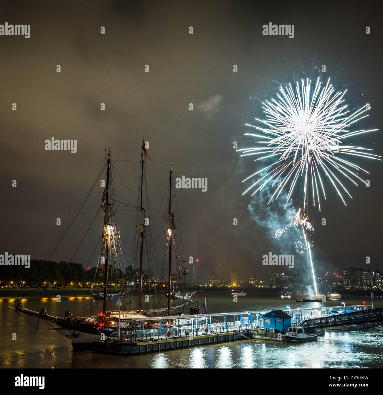 London, UK. 15th September, 2016. Firework display during Royal Greenwich Tall Ships Festival Credit:  Guy Corbishley/Alamy - Stock Image