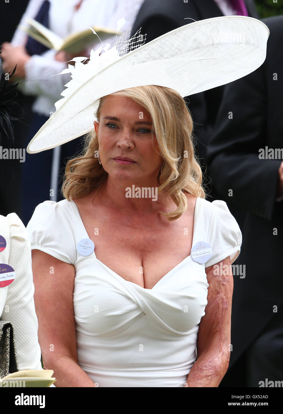 Amanda Redman Nude Photos 36