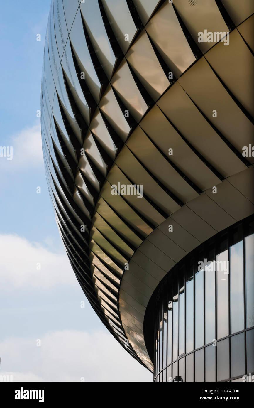 Close up view of laminated roof. La cité du vin / The City of Wine, Bordeaux, France. Architect: XTU Architects, - Stock Image