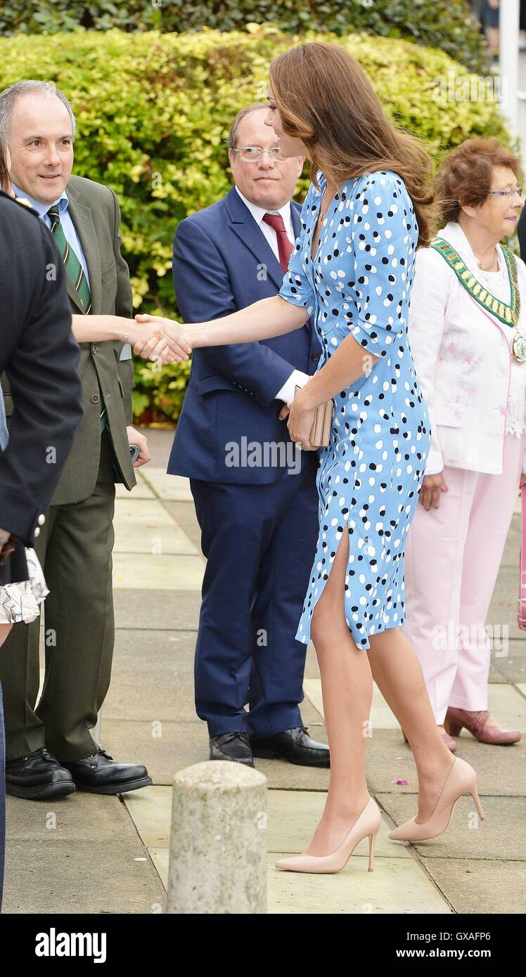 The Duchess of Cambridge arriving at Stewards Academy in Harlow, Essex, where she and her husband, the Duke of Cambridge - Stock Image
