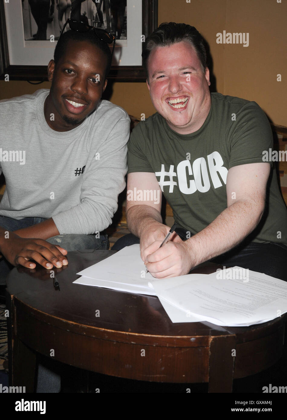 Britain's Got Talent 2015 contestant Paul Manners signs a recording contract with CO Records at The Dorchester - Stock Image