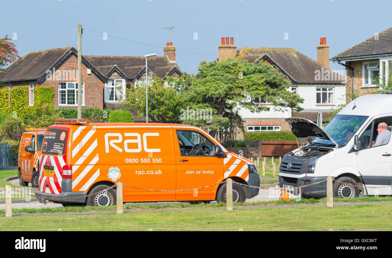 RAC breakdown recovery van assisting a motorist in the UK. - Stock Image