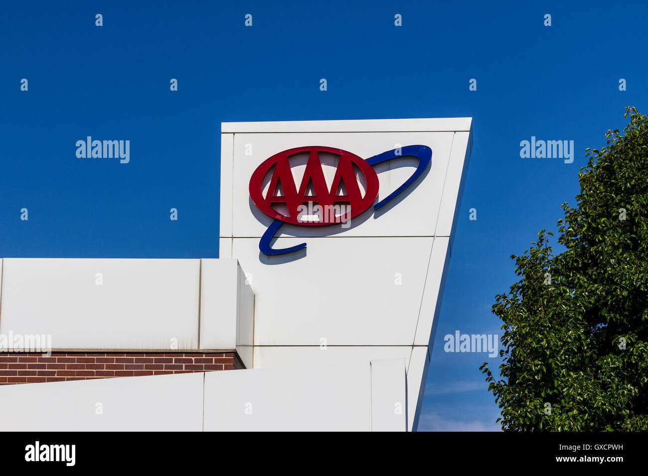 Muncie - Circa August 2016: AAA Travel & Insurance Sign  The