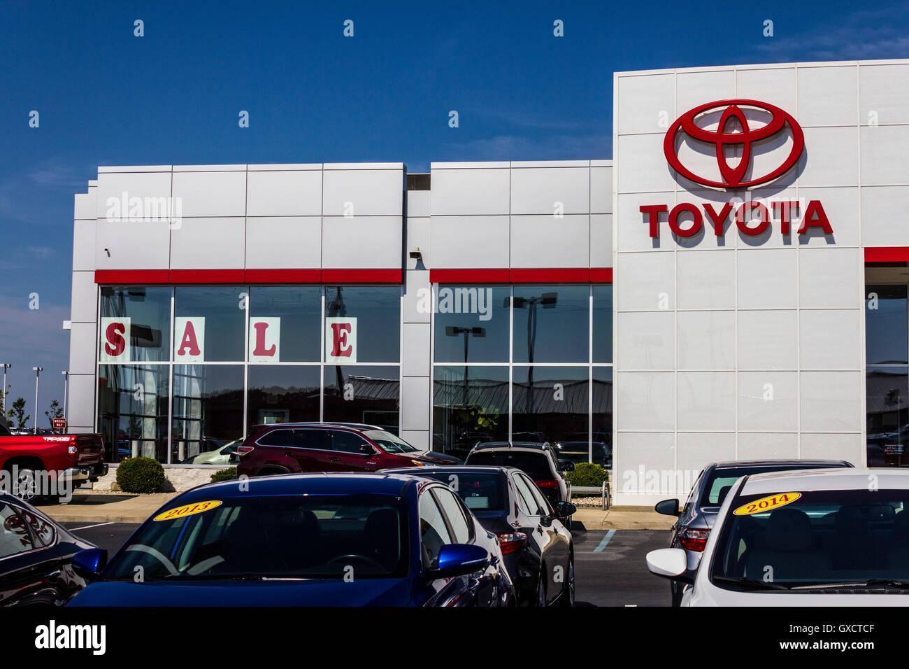 Muncie Car Dealers >> Muncie Circa August 2016 A Local Toyota Car And Suv Dealership Ii