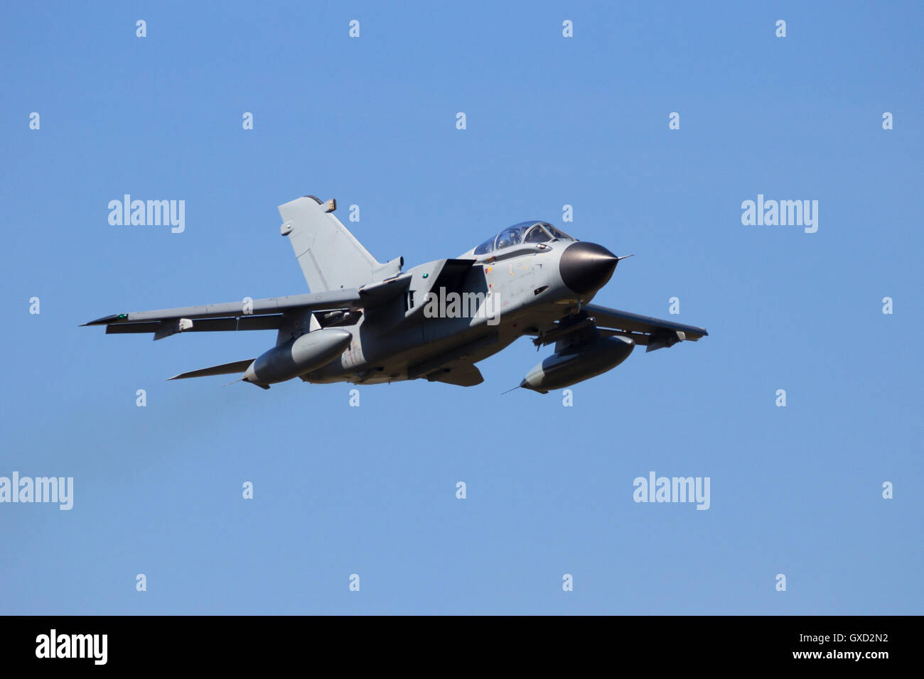 Fighter jet low and fast flyby - Stock Image