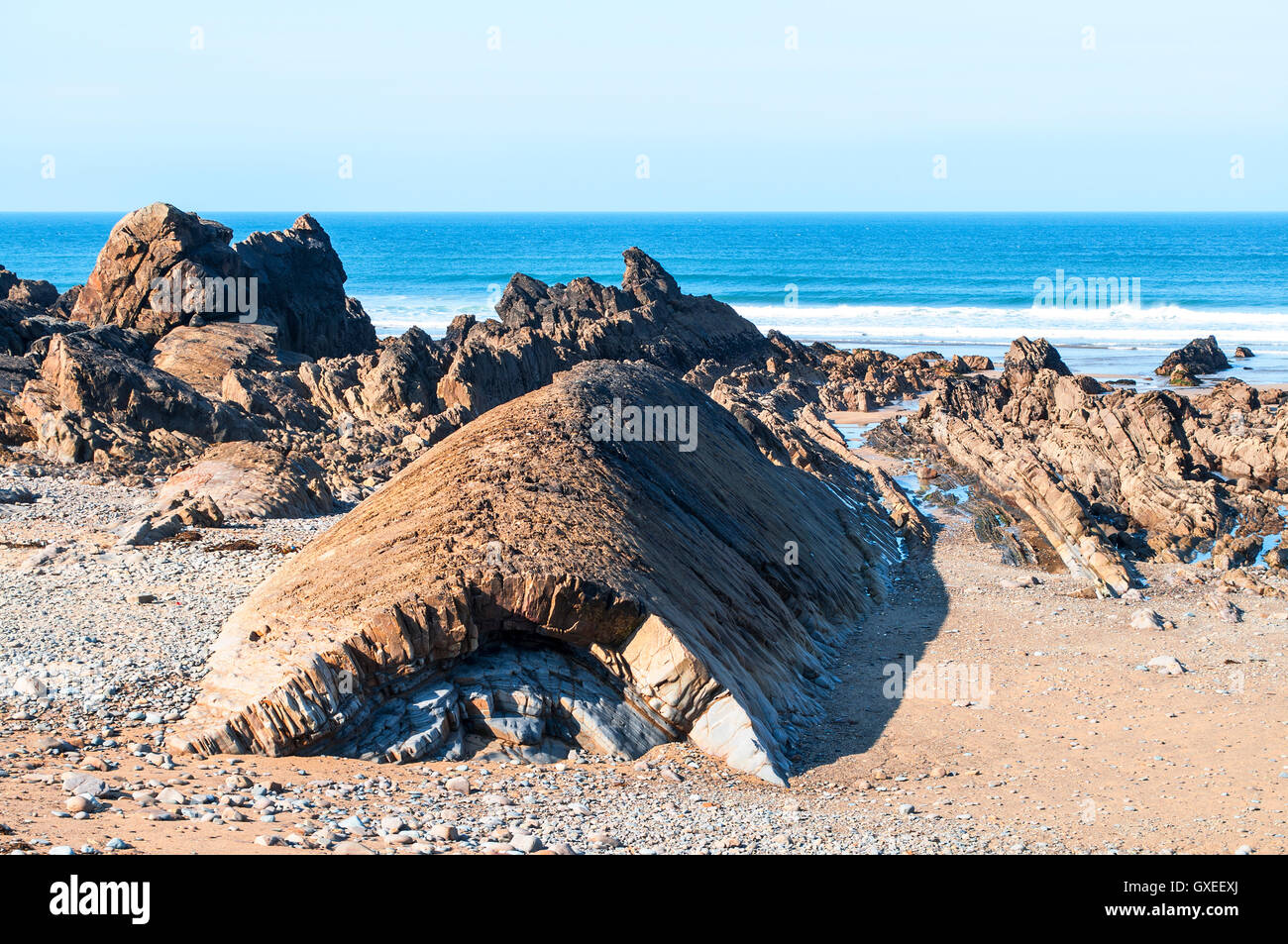 An anticline fold on the beach at Bude in north Cornwall, England, UK - Stock Image