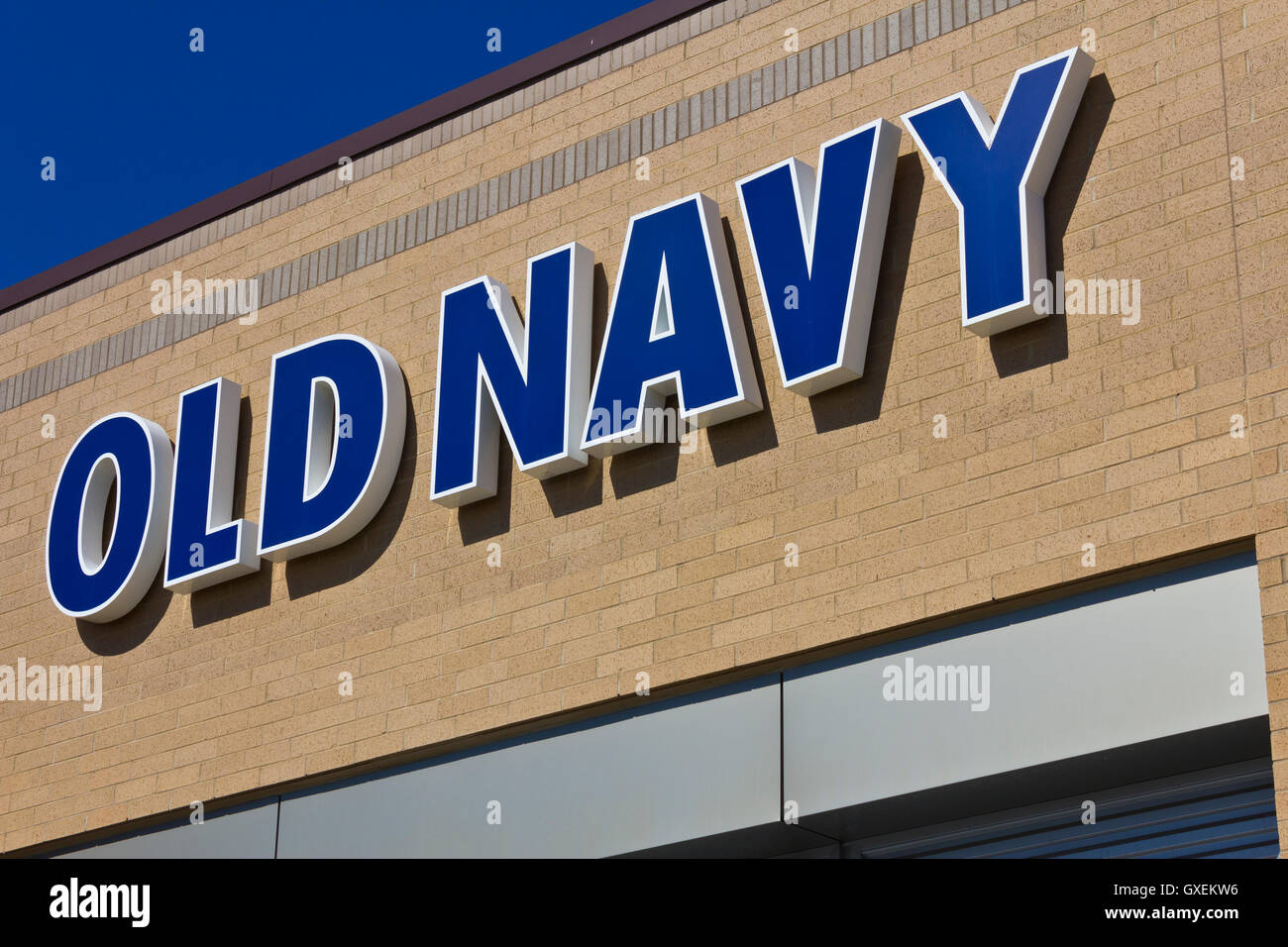 34cfab0550c Indianapolis - Circa June 2016  Old Navy Retail Mall Location. Old Navy is a
