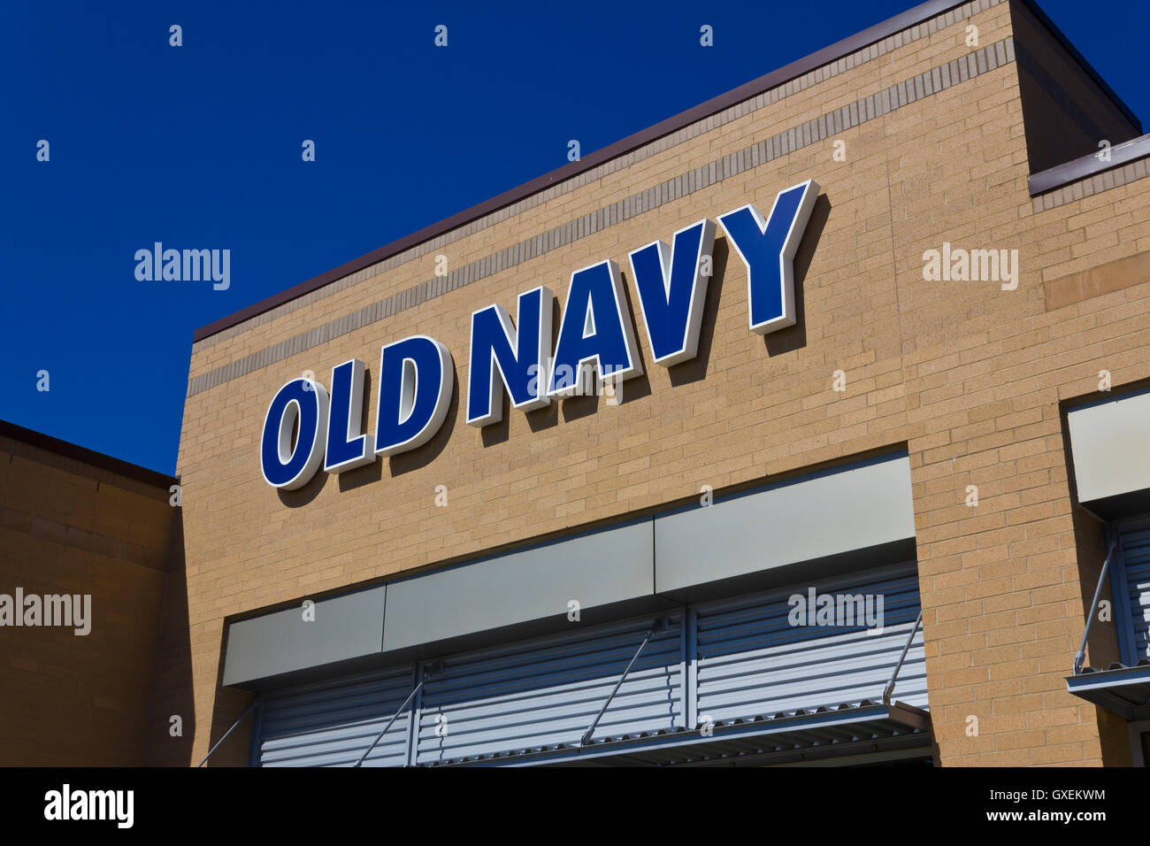 Indianapolis - Circa June 2016: Old Navy Retail Mall Location. Old Navy is a Division of Gap Inc. II - Stock Image