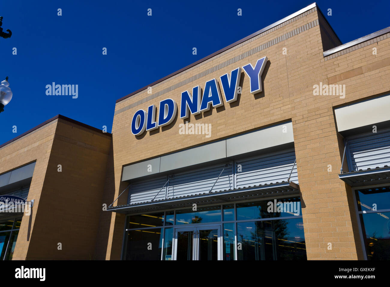 Indianapolis - Circa June 2016: Old Navy Retail Mall Location. Old Navy is a Division of Gap Inc. III - Stock Image