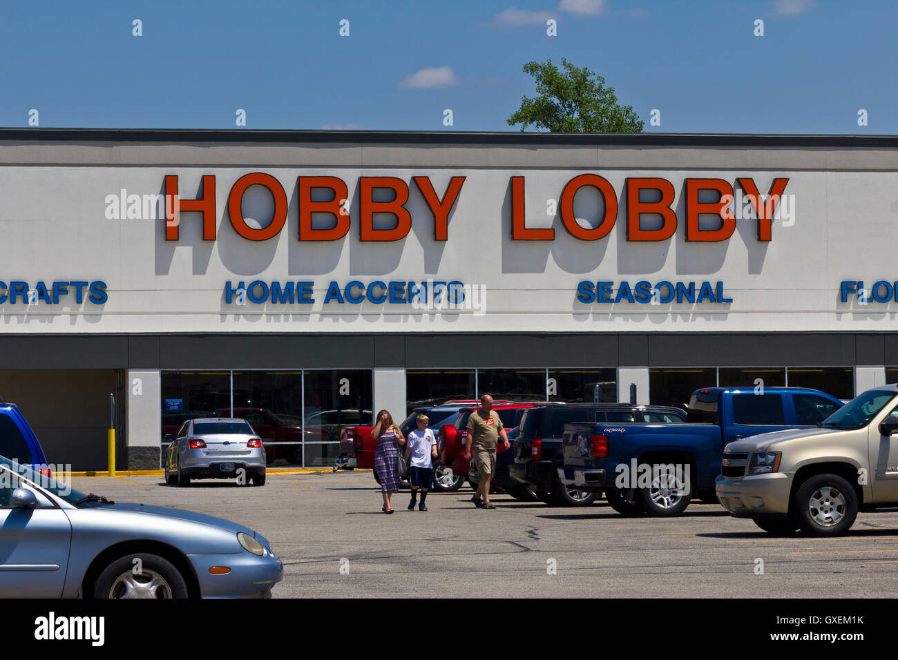 Indianapolis - Circa June 2016: Hobby Lobby Retail Location. Hobby Lobby is a Privately Owned Christian Principled - Stock Image