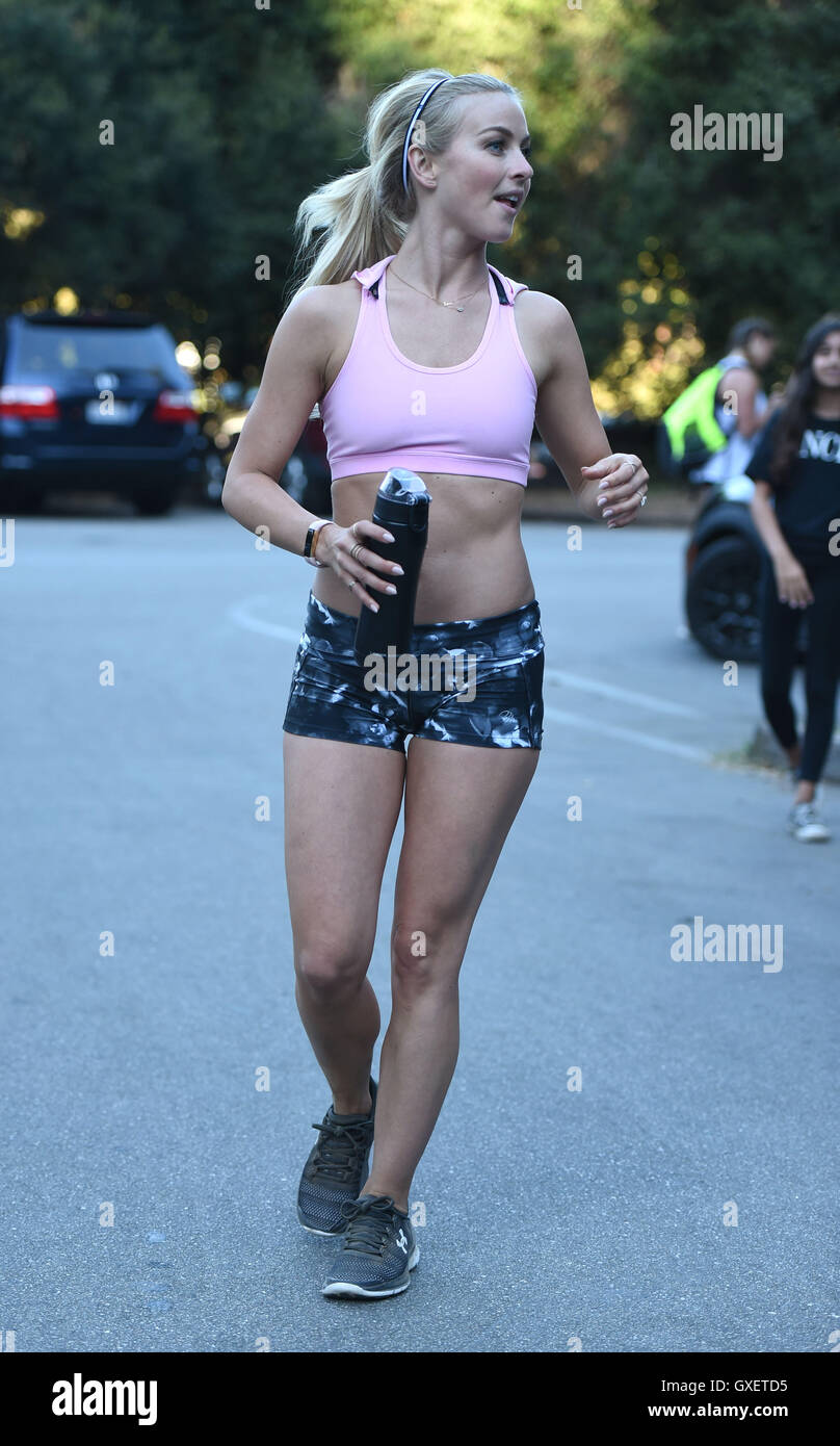 c9e70acbe3dc0 Julianne Hough leads a fitness group on a trail run Featuring  Julianne  Hough Where  Los Angeles