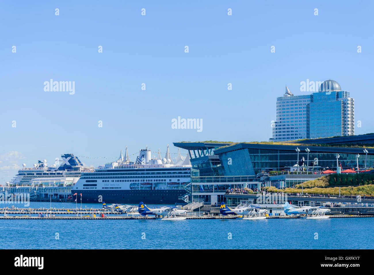 Float plane and cruise ship terminals, Coal Harbour, Vancouver, British Columbia, Canada - Stock Image