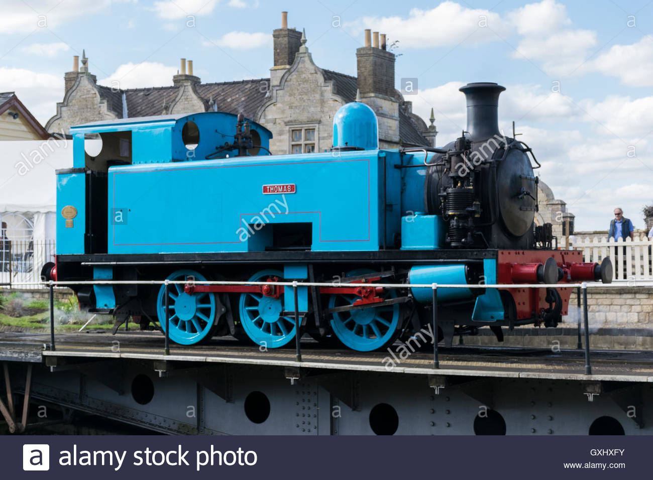 Brilliant A Thomas Tank Engine On The Turntable At Wansford On The Home Remodeling Inspirations Genioncuboardxyz