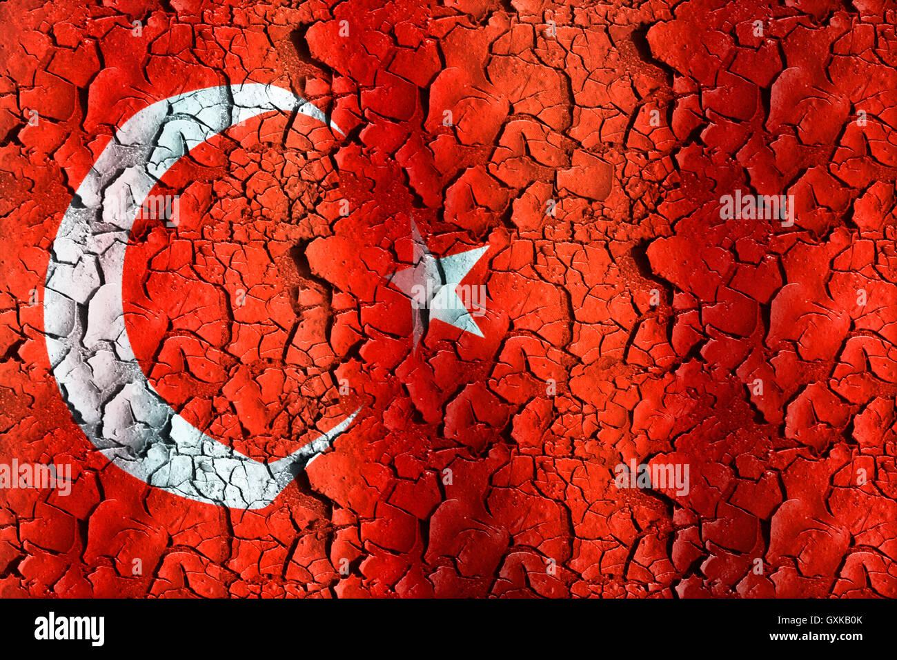 Fahne der Türkei auf abblätterndem Grund, Symbolfoto für politische Entwicklungen in der Türkei Stock Photo