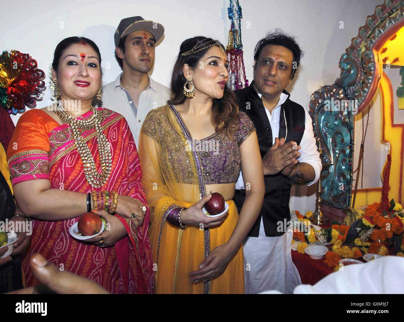 Bollywood actor Govinda wife Sunita Ahuja, daughter Tina ...
