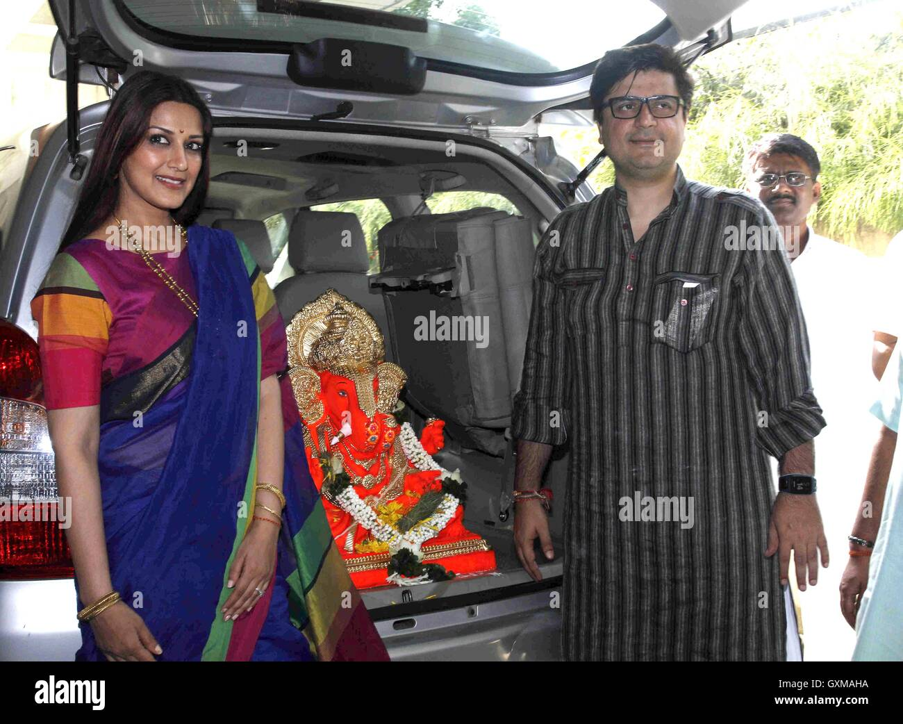 Bollywood actor Sonali Bendre Goldie Behl participates procession immersion idol Hindu god Lord GaneshMumbai - Stock Image