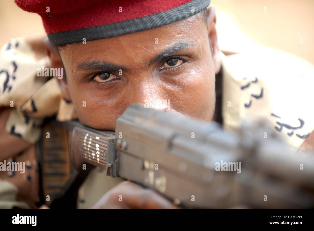Djibouti Army soldier aims his weapon during a contact drills practical application February 2, 2011 in Ali Oune, - Stock Image