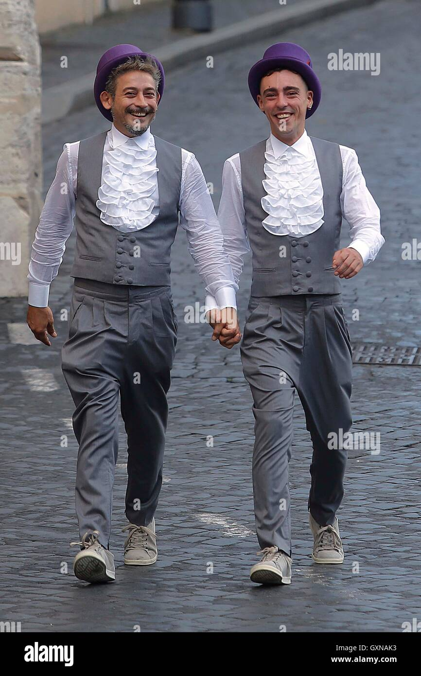 Roma, Italia. 17th Sep, 2016. Rome 17th September 2016. First gay couple to get married in Rome after the new law - Stock Image