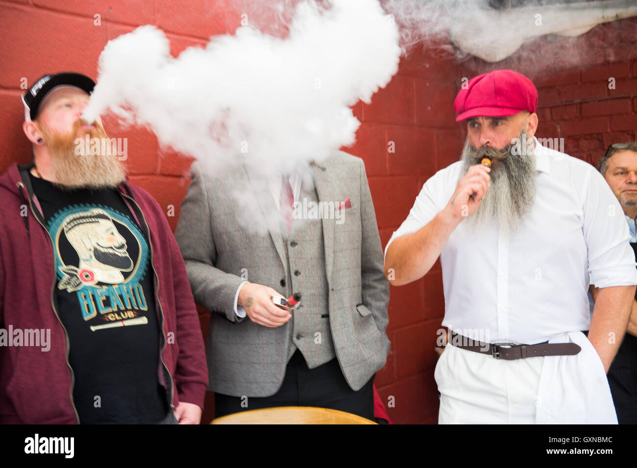 Oxford, UK.17th September 2016. Contestants during the  Annual Beard Festival held in Oxford.l  Credit:  Pete Lusabia/Alamy - Stock Image
