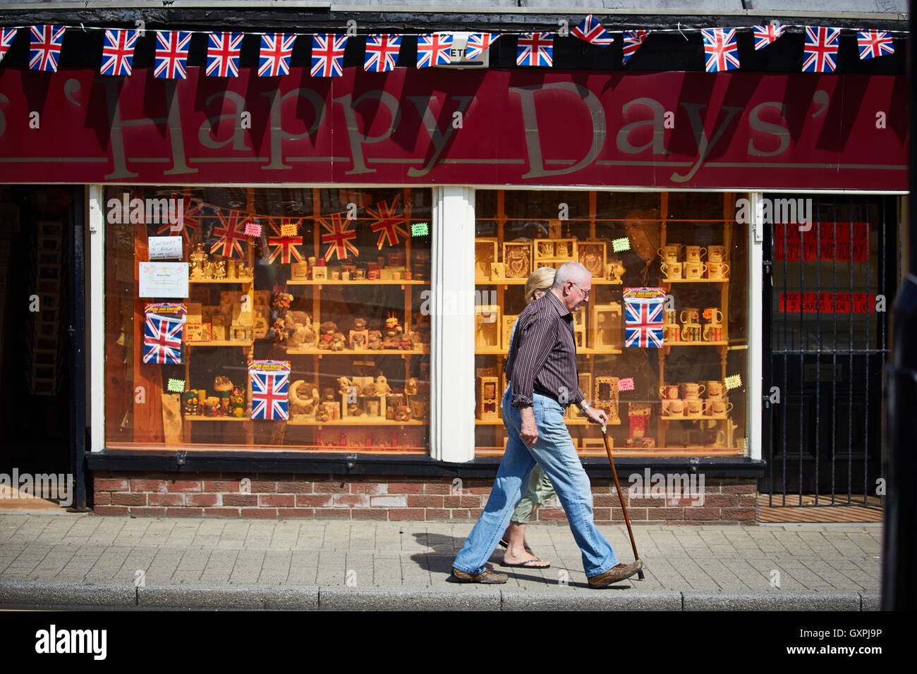 Happy days gift shop front   Manchester Road main street through Stockbridge Sheffield South Yorkshire  pavement - Stock Image