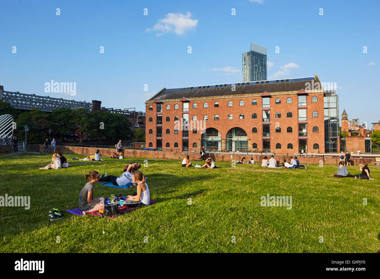 Manchester castlefield  Merchant's Warehouse    Castlefield loft style offices  urban landscape brick mill waterfront - Stock Image
