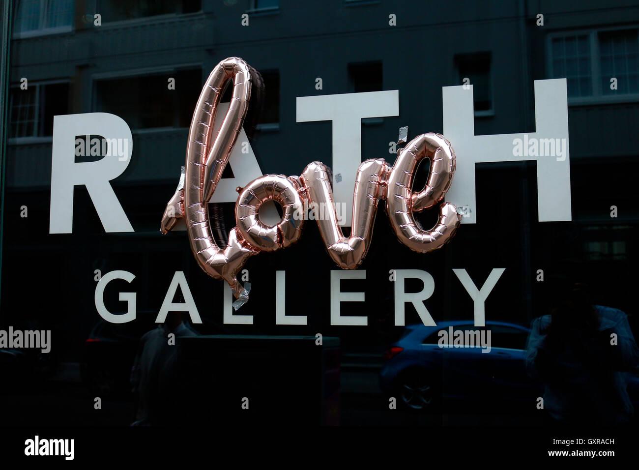 'Love' - Erinnerung an den verstorbenen Fotografen Oliver Rath, Berlin-Mitte. - Stock Image