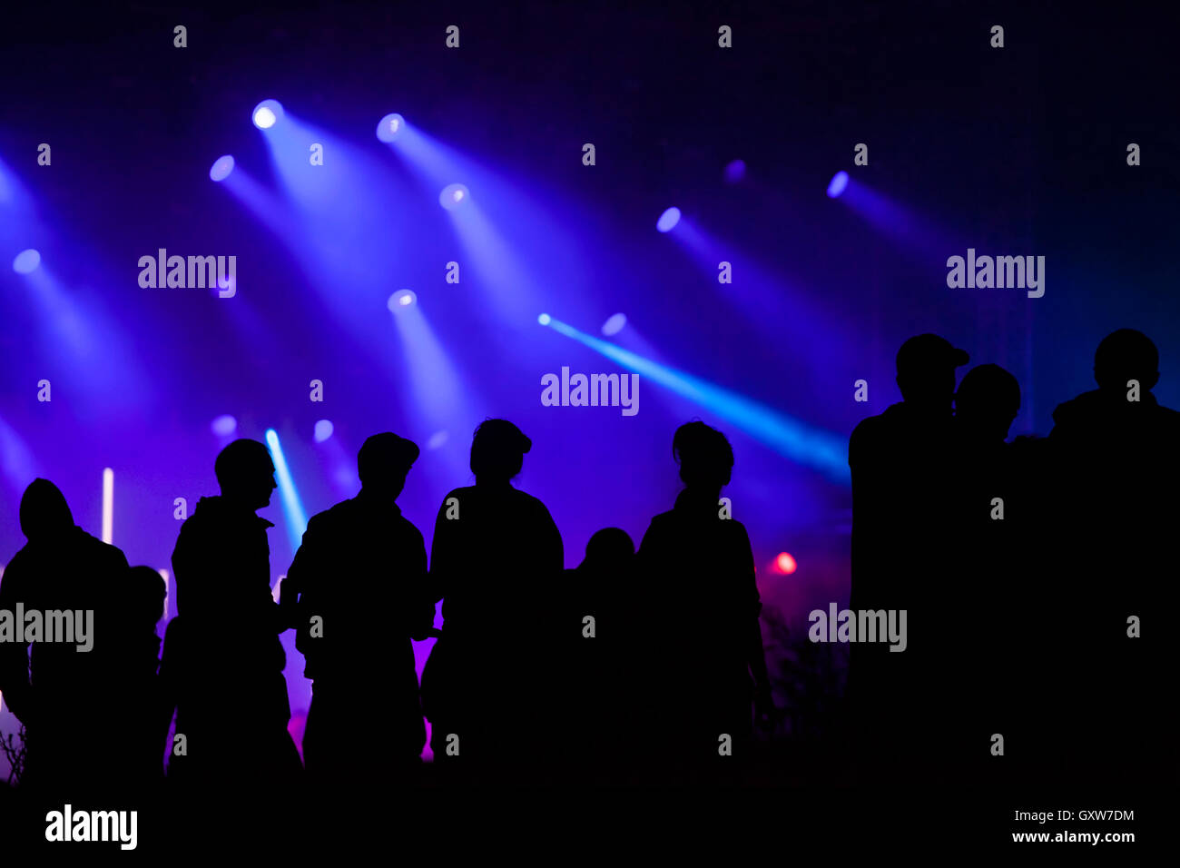 Cheering Crowd Stock Photos Amp Cheering Crowd Stock Images