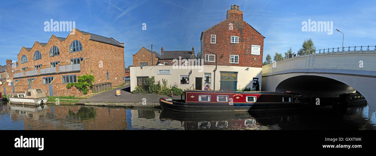 Thorn Marine Panorama,London Bridge,Stockton Heath,Warrington - Bridgewater Canal, Cheshire, England, UK - Stock Image