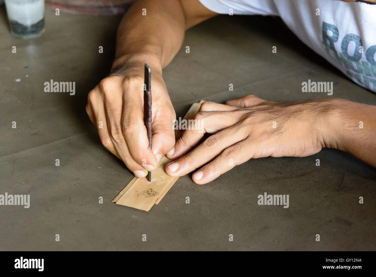 Holzschnitzer, Bali   wood carver, Bali - Stock Image