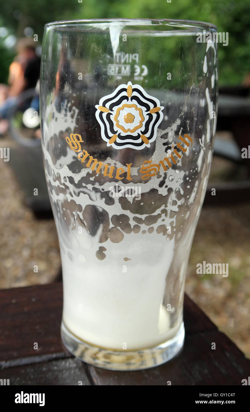 Glass Empty - Pint Samuel Smith bitter Yorkshire brewery - Stock Image