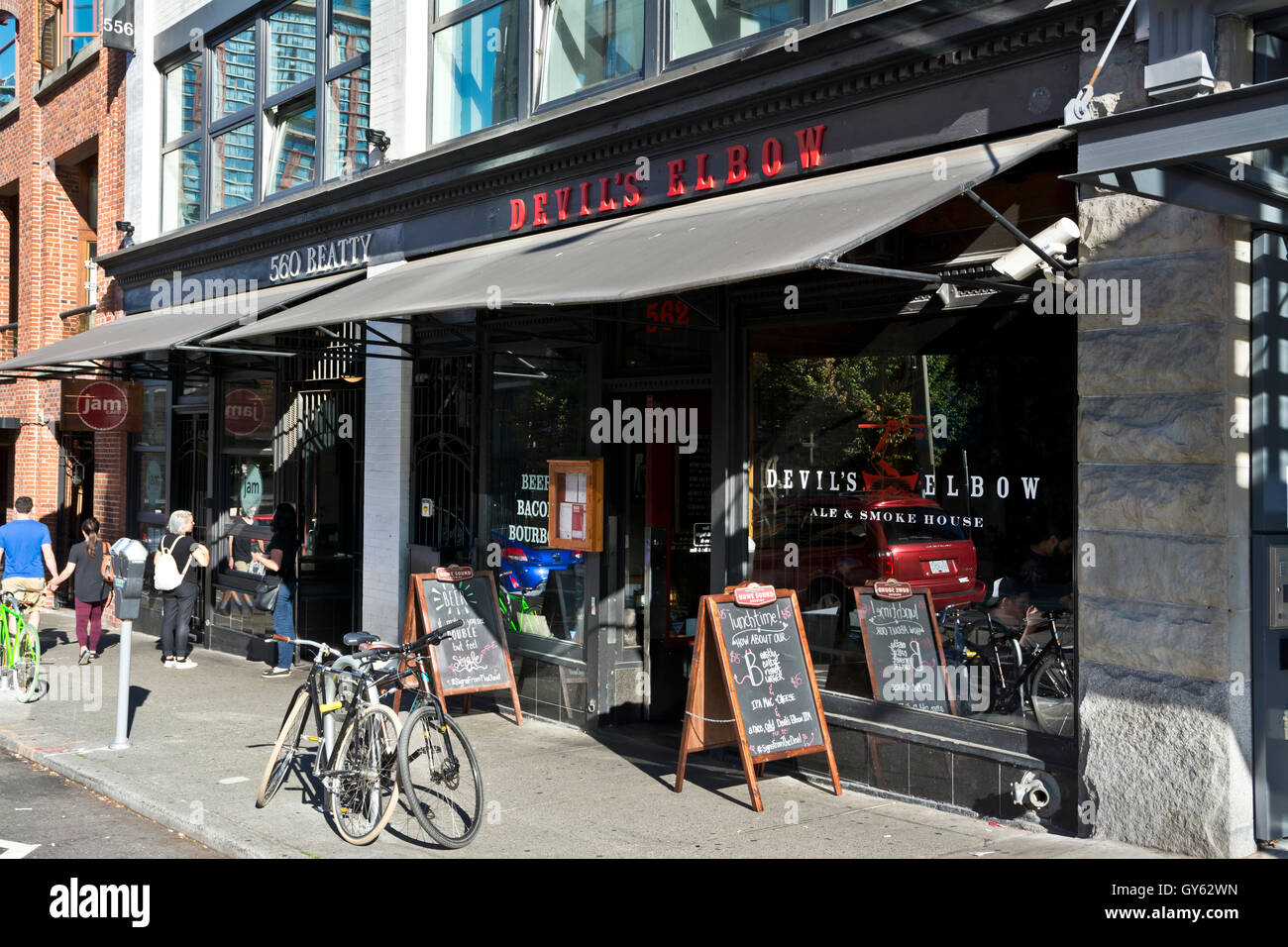 Devil's Elbow Ale and Smokehouse restaurant in downtown Vancouver on Beatty Street. - Stock Image