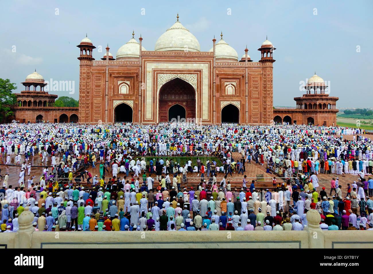 Congregation at the Ramzan Eid or Eid-ul-Fitar or Idul-Fitr festival at the Taj Mahal complex in Agra, India. - Stock Image