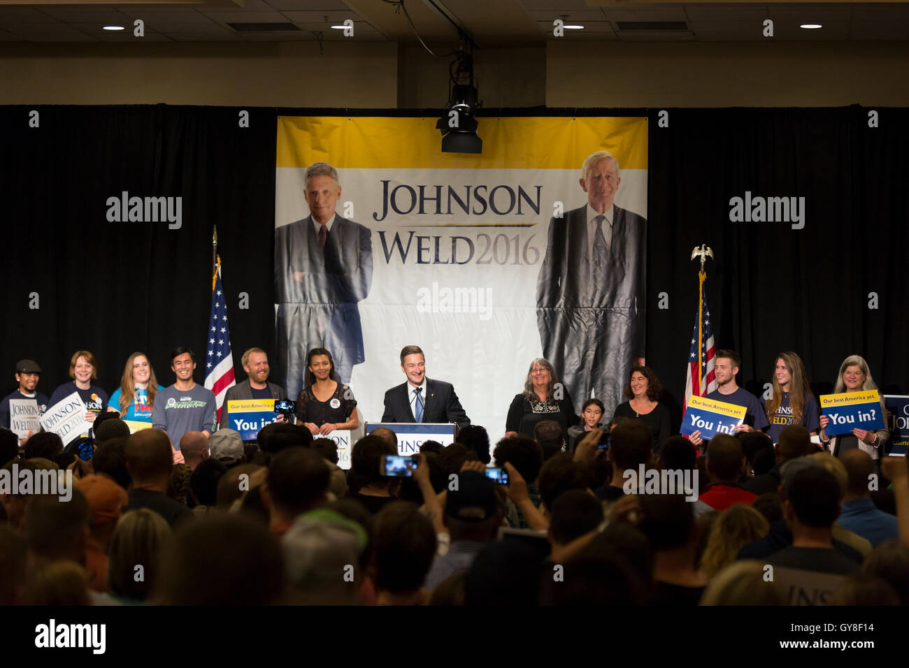Seattle, Washington: Nicholas Sarwark, chairman of the  Libertarian National Committee, addresses supporters at - Stock Image