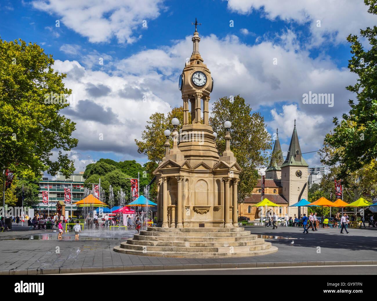 Australia, New South Wales, Greater Western Sydney, Parramatta Centennial Memorial Clock and fountain, Church Street - Stock Image