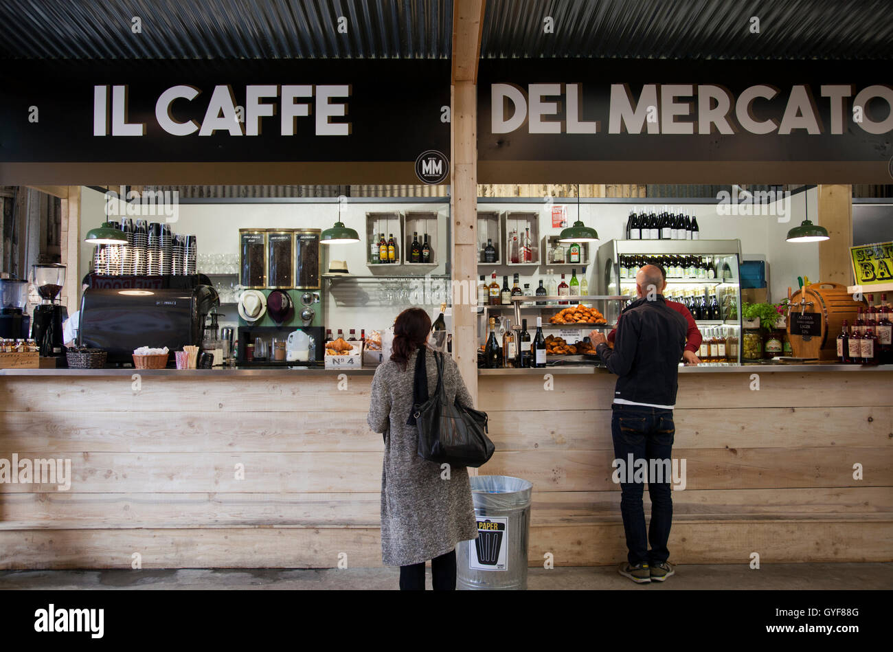 Mercato Metropolitano Italian Farmers Market on Newington Causeway in SE1 - London UK - Stock Image