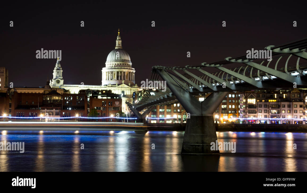 The Millennium Bridge and St Paul's Cathedral - Stock Image