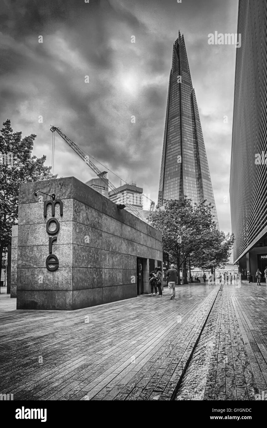 The Shard towering above the London Skyline - Stock Image