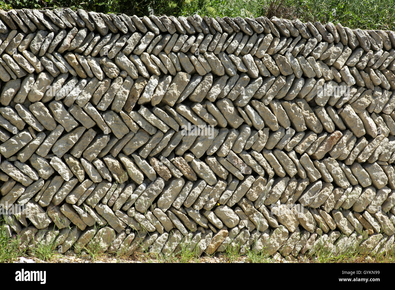 Herringbone dry stone hedging - Stock Image