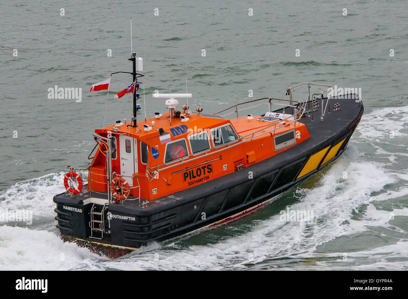 Pilot vessel returning to Portsmouth. - Stock Image