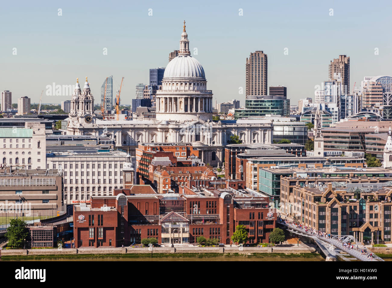 England, London, Aerial View of St Paul's Cathedral and River Thames - Stock Image